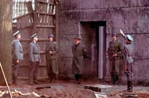 Hitler (Bruno Ganz) in un fotogramma dal film Downfall (La Caduta)