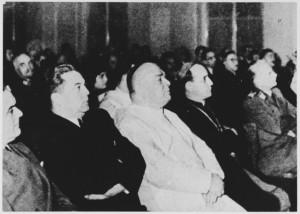 Il Ministro dell'Interno croato Artukovic a fianco del legato pontificio Giuseppe Ramiro Marcone e l'arcivescovo A. Stepinac