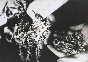 Oro e gioielli appartenenti a serbi morti nel campo di Jasenovac.