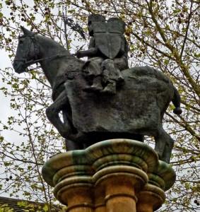 Due cavalieri su un unico cavallo - il simbolo universale della Militia Christi. Temple Church, Londra
